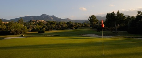 Kypr - Korineum Golf and Beach Resort*****